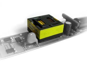Trasformatori risonanti integrati con PFC